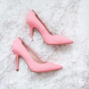 Light pink pointed toe heels